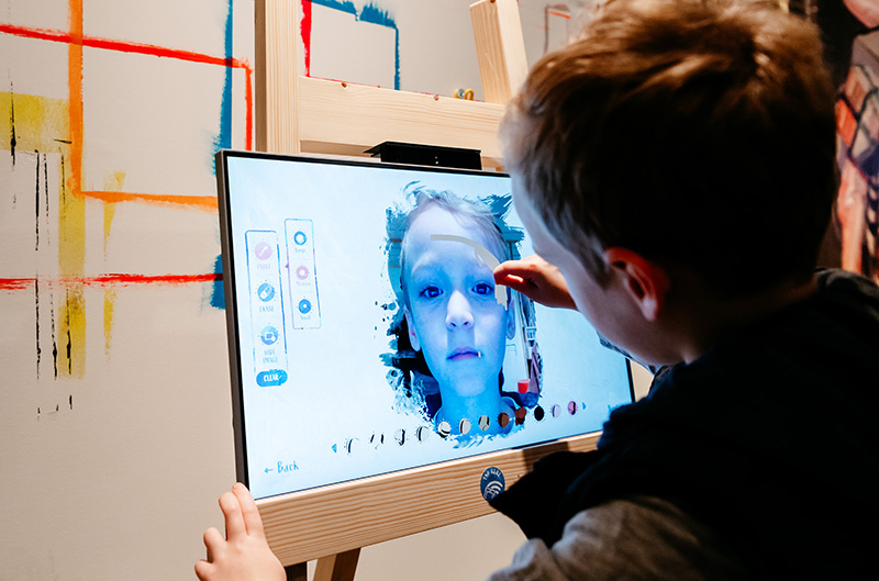 Creating a digital self-portrait in 'Ben Quilty: Family Portrait'